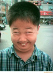 funny-asian-face-kid-386x528